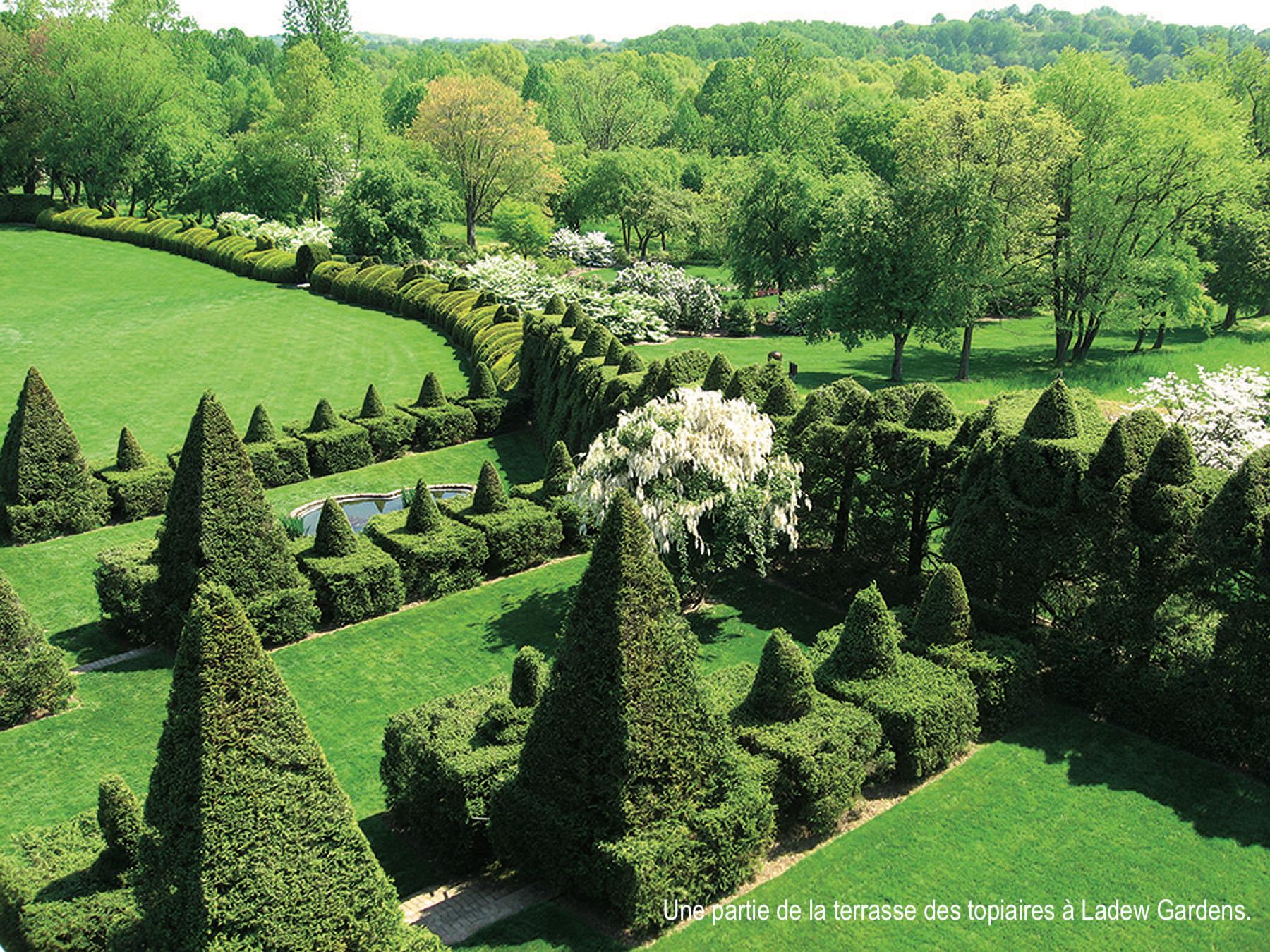 Terrasse de topiaires à Ladew Gardens